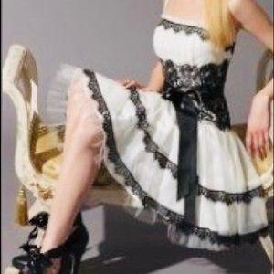 Women's dress Jessica McClintock white and Black 8